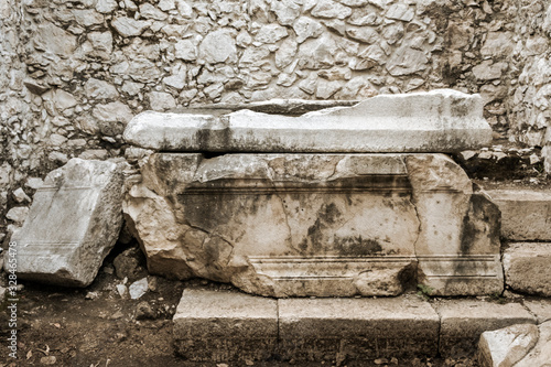 Fotografie, Obraz A robbed ancient tomb