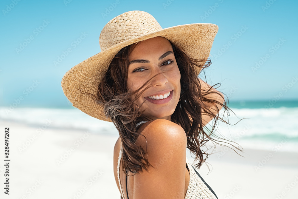 Fototapeta Carefree stylish woman enjoying summer
