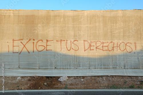 Photo graffiti exige tus derechos denuncia invernadero almería 4M0A7511-as20