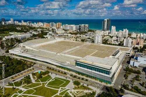 Valokuva Aerial photo Miami Beach Convention Center and park