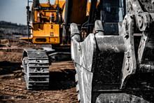 Yellow Excavator Steel Bucket ...