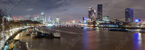 Obraz City of London and Southbank, night view over river Thames from the Waterloo Bridge - fototapety do salonu