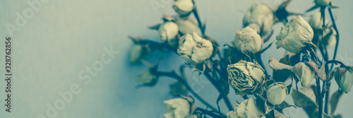 Composition with a bouquet of beautiful dried roses Tablou Canvas