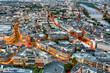 Die Innenstadt von Frankfurt am Main aus der Vogelperspektive in der Dämmerung