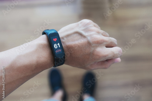 Valokuva Smart fitness tracking and watch