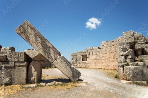 Photo Ancient Messene city Arcadia Gates ruins, Peloponnese, Greece