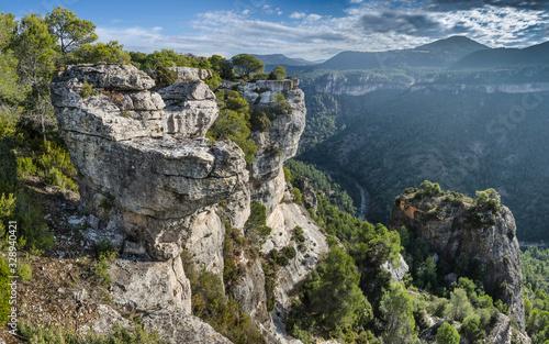 Photo Paisaje montañoso desde Siurana de Tarragona y sus alrededores.