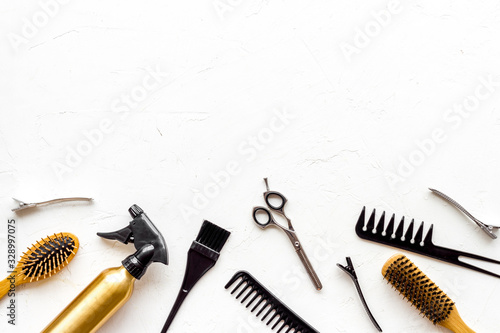 Fotografering Beauty saloon accessories - combs, sciccors for hairdressing - on white backgrou