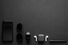 Men Gadgets In Modern Lifestyl...
