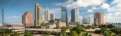 Obraz Downtown city panormic skyline view of Tampa Florida USA looking over the freeway and the Riverwalk - fototapety do salonu
