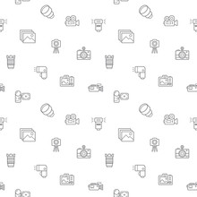 Seamless Pattern With Camera And Photography Icon On White Background. Included The Icons As Media, Photos, Lighting, Lens, Film, Video, Security Camera, Camera Setting And Other Elements.