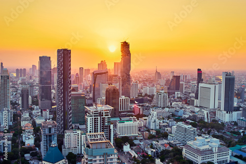 Photo Sunset in megapolis