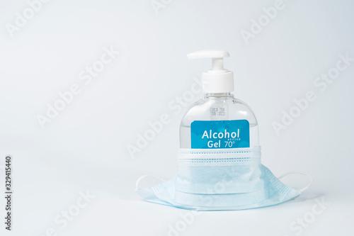 Gel Hidroalcohólico para limpiarse las manos y evitar el contagio del coronaviru Canvas Print