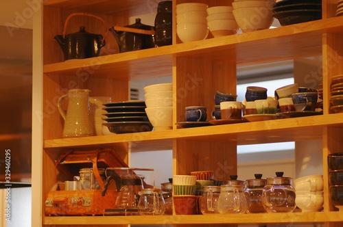 キッチンの食器棚 Fototapet