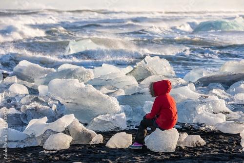 Fototapeta Fille et glacier obraz