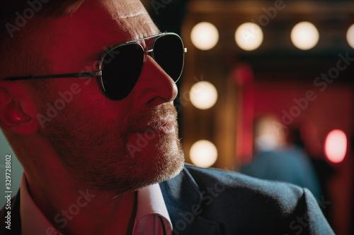 brutal smiling man in sunglasses Tablou Canvas