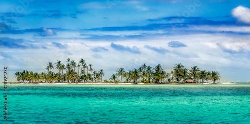 Photo Beautiful San Blas island at politically autonomous Guna territory in Panama
