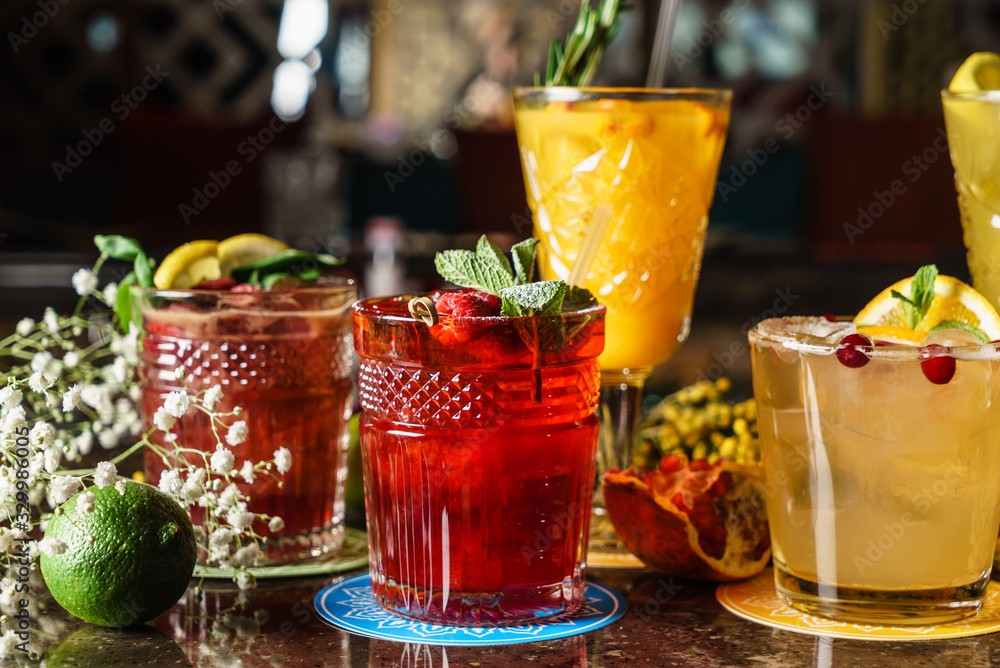 Fototapeta tasty cocktails in the bar