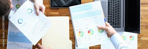 Obraz Men make statistical analysis contract, management - fototapety do salonu