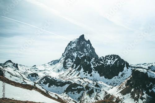 Leinwand Poster Pic du midi d Ossau, montagne dans les Pyrénées en France