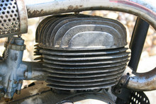 Old Motor Vintage Motorbike 2T...