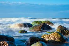 Steine An Der Ostseeküste Bei.