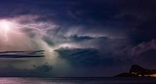 Lightning Storm In The Night S...