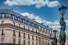 Immeuble Et Toit Parisiens