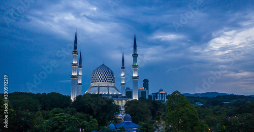 Aerial view of the beautiful Sultan Salahudin Abdul Aziz Mosque at dusk in Shah Canvas Print