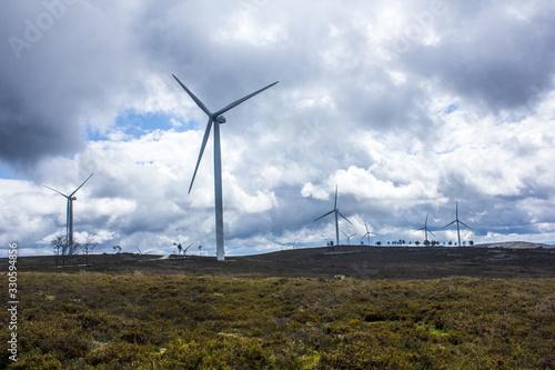 Fototapeta Parque eólico de energias renováveis em Portugal