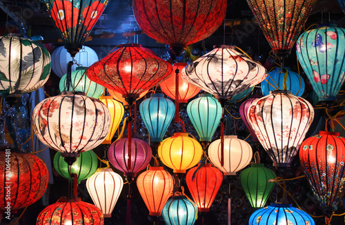 Foto Traditional lamps in Old Town Hoi An, Central Vietnam.
