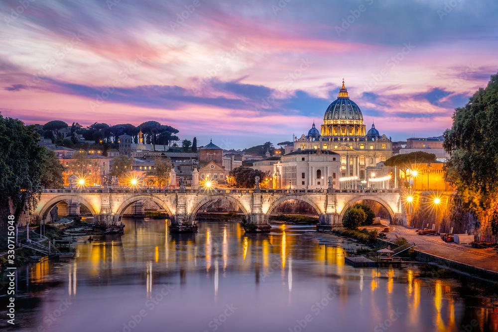 Fototapeta Sonnenuntergang Aussicht Petersdrom / Sunset View to Vatican and St. Peter Basilica