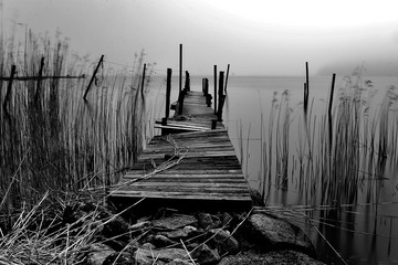 Fototapeta Mosty Desolate jetty in monochrome