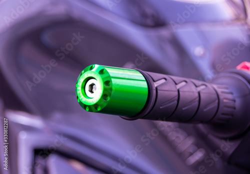 Manillar y acelerador de moto