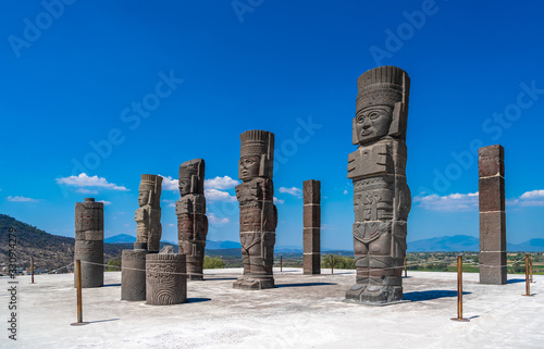 Photo Toltec Warriors or Atlantes columns at Pyramid of Quetzalcoatl in Tula, Mexico