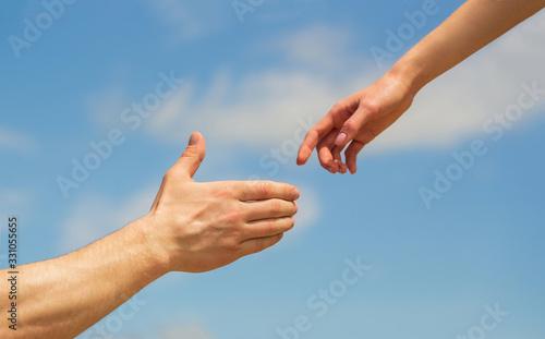 Fotografia Giving a helping hand