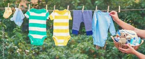 Fotomural washing baby clothes