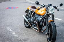 Retro Motorrad In Einer Halteverbotszone
