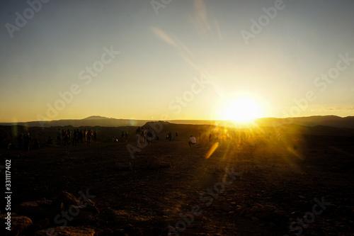 Photo pôr do sol no deserto do atacama chile