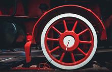 Wheel Of Old Retro Vintage Ste...