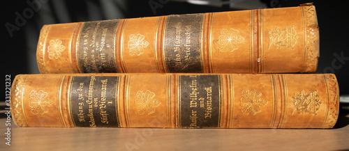 Antiquarische Bücher von Otto von Bismarck Canvas Print