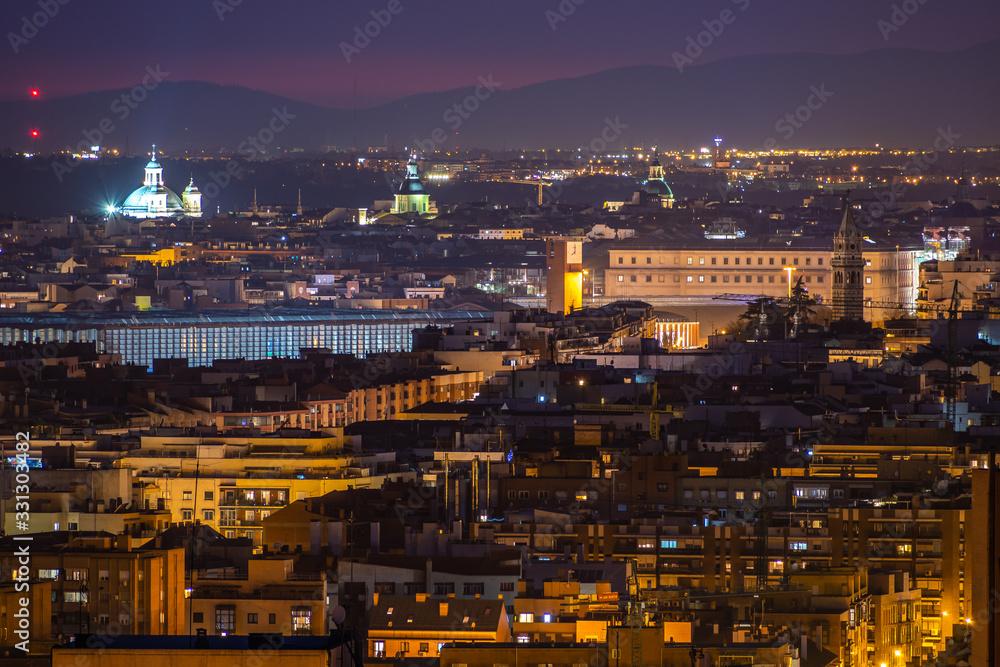 Fototapeta Cityscape of Madrid from Cerro del Tio Pio. Madrid, Spain - obraz na płótnie