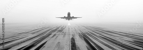 Obraz Airport Runway Fog - fototapety do salonu