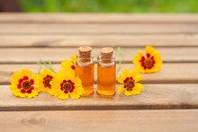 Coreopsis Essential Oil In  Be...