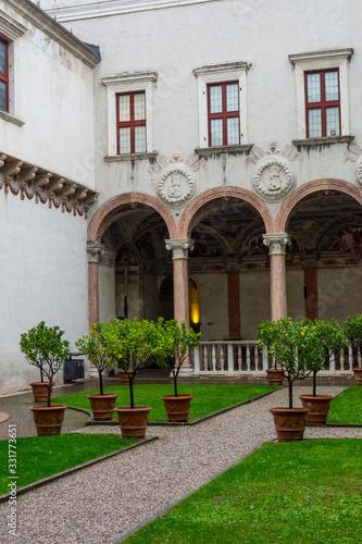 Carta da parati Courtyard of a historic castle complex in Trento, Italy