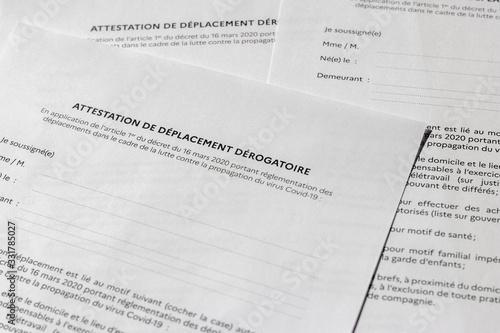 Attestation de déplacement dérogatoire française Canvas Print