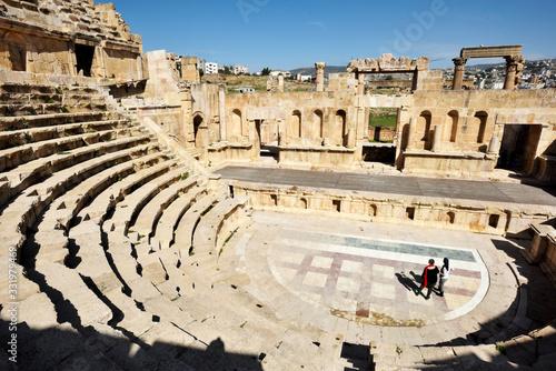 Photo Amphitheater in the ancient Roman city in Jerash, Jordan