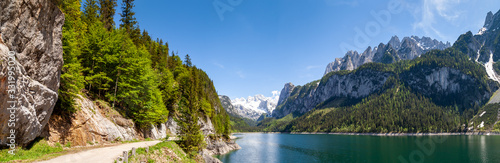 Fotografía Famous Lake Gosau and Gosaukamm with Mount Dachstein