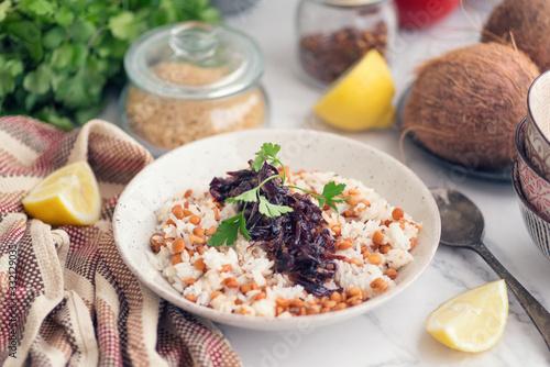 Mujaddara, lentejas con arroz y cebolla Canvas Print