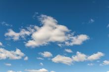 Blauer Himmel Mit Weißen Wolk